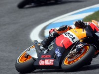 Pedrosa wins battle of Spain in Portugal