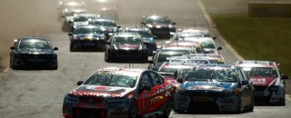Australian V8 Supercars Will Race In America