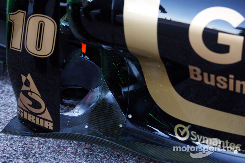 Heidfeld To Test Red Bull-Like Exhaust On Friday