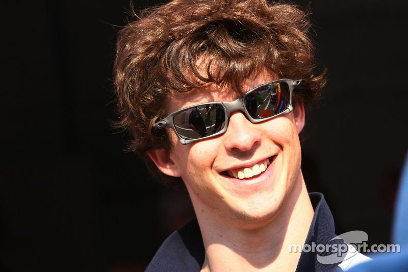 HRT admits eyeing Spanish race driver