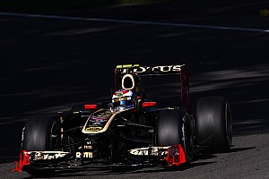 Lotus Renault Singapore GP Friday practice report