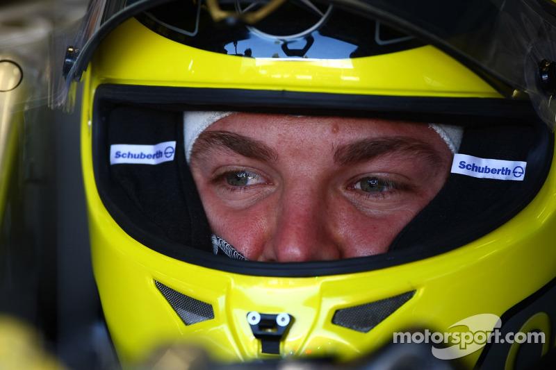 Rosberg targets Ferrari seat for 2013 - report