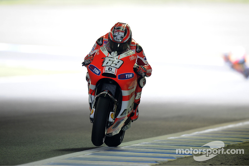 Ducati seeks improvement at Australian GP