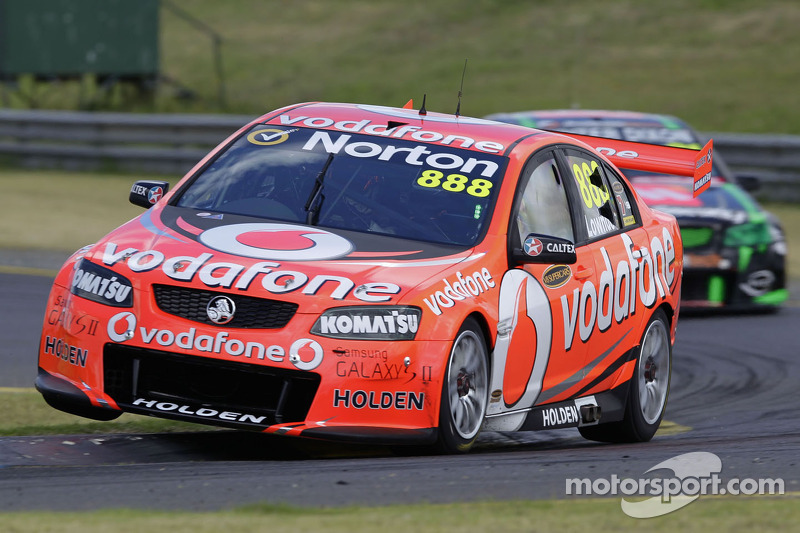 Lowndes wins shootout for Clipsal 500 pole