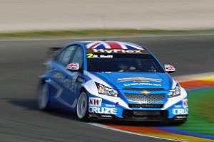 WTCC Huff tops test from Chilton's Ford