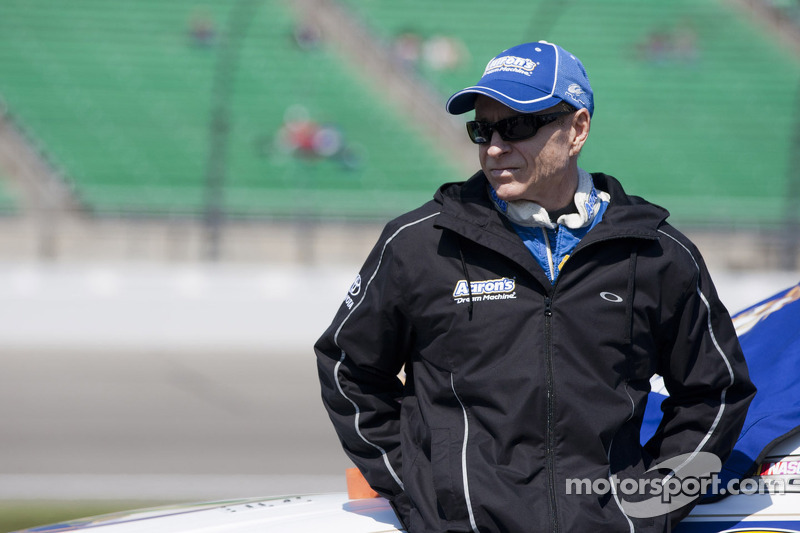 Sunday morning routine gets Mark Martin going