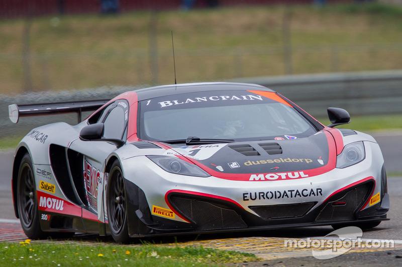 McLaren takes pole in thrilling Slovakia qualifying