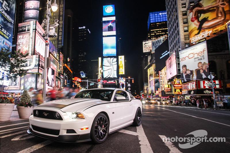 Drift star Vaughn Gittin Jr. inspires new Ford Mustang RTR trackslayer