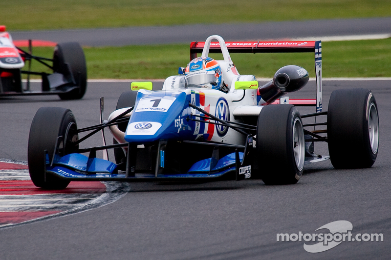 Harvey trails Jaafar by 1 point after Donington Race 1 victory