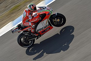 MotoGP Race report Ducati's Rossi finishes seventh, Hayden in eighth at Motegi