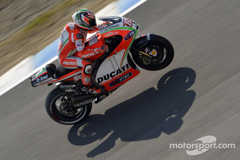 Ducati's Rossi finishes seventh, Hayden in eighth at Motegi