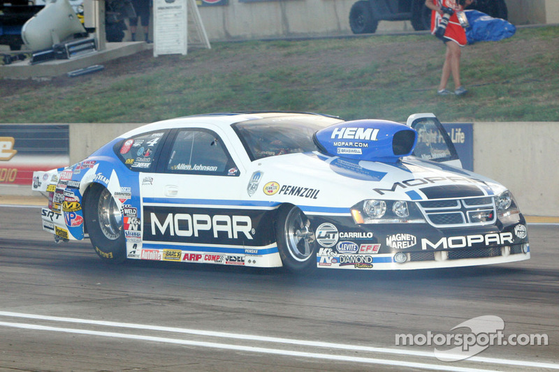 Johnson on the cusp of first Pro Stock Championship