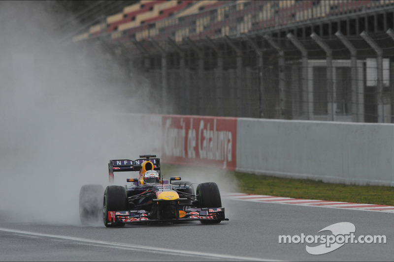 Vettel roughs it in Barcelona on the way to P4