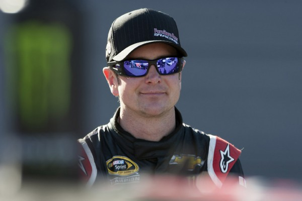 Kurt Busch moves to back of grid due to wall hit in PIR qualifying
