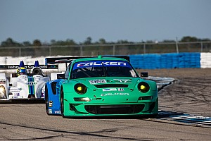 ALMS Race report Henzler, Tandy, Sellers third in GT at 12 Hours of Sebring in Falken Porsche