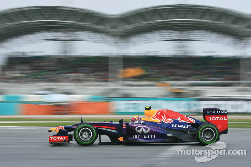 Webber will race in China - father