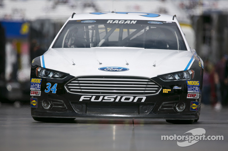Ragan enjoys going 'old school' at Martinsville