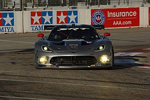 ALMS Qualifying report SRT Viper GTS-R wins ALMS GT class pole in Long Beach