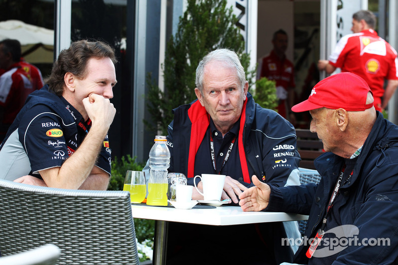 Lauda plays down Vettel-to-Mercedes reports