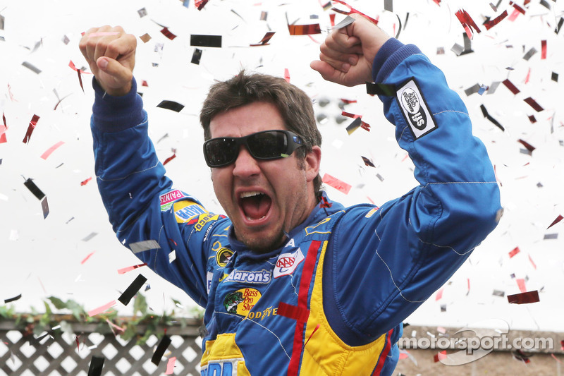 Michael Waltrip Racing, Truex conquer Sonoma