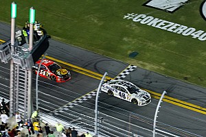Stewart is second on the Daytona 400