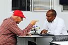 Hamilton's father visits Maranello
