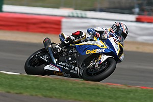 World Superbike Race report BMW Motorrad experienced a turbulent race day at Silverstone
