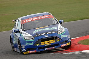 BTCC Race report Trio of top tens for Airwaves Racing at Knockhill