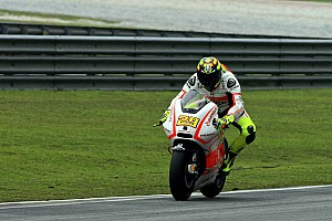 MotoGP Practice report First day of practice at MotorLand Aragon for Andrea Iannone