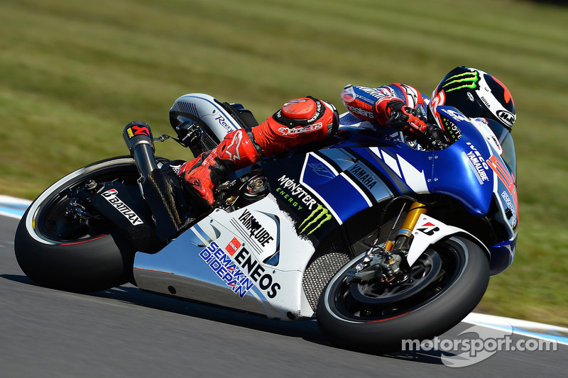 Lorenzo triumphs in drama-filled Philip Island MotoGP race