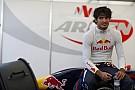 Sainz 'satisfied' despite wait for F1 debut