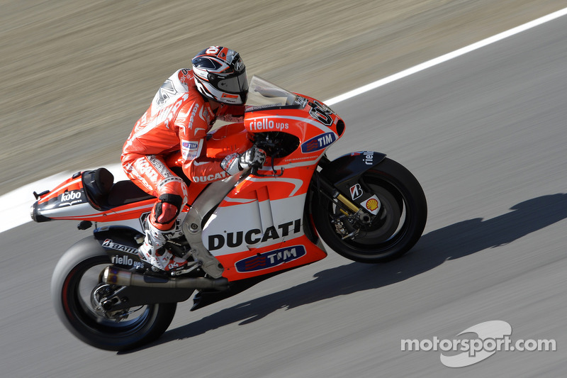 Dovizioso, Hayden ninth and tenth in free practice at Valencia, Pirro twelfth