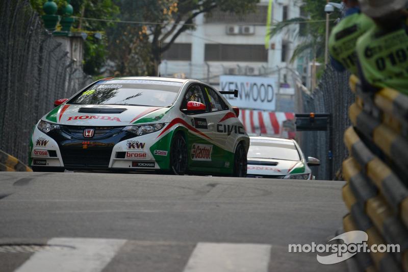 Honda Civics battle for podium and points at tough Macau WTCC finale