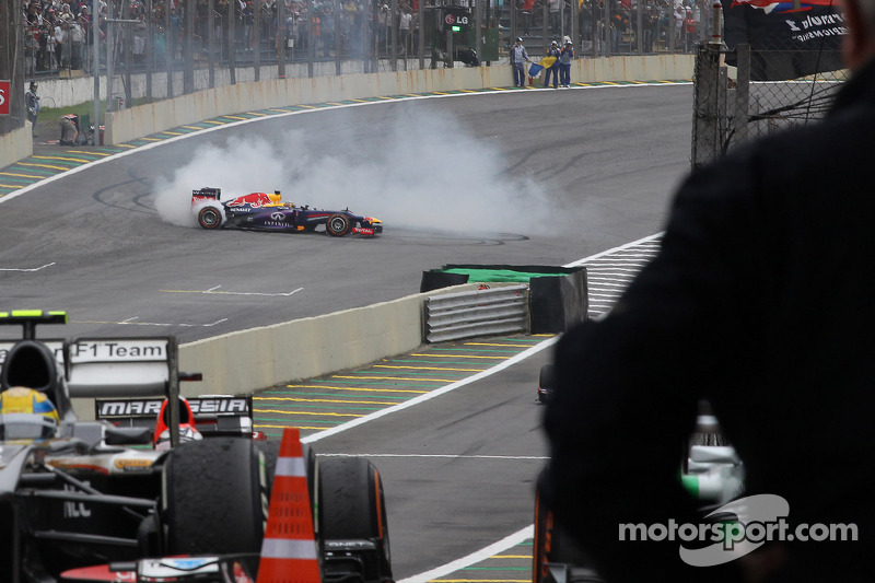 Pirelli: Vettel wins final race of the year in São Paulo with two pit stops