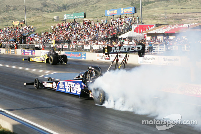 Antron Brown and Ron Capps qualified for Sunday's Winternationals