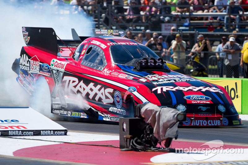 Happy Valentine's Day from Courtney Force - video