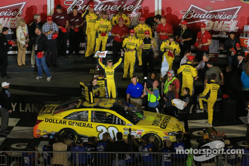 Joe Gibbs Racing sweeps duel at Daytona