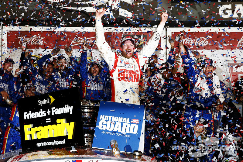 Dale Earnhardt Jr. holds off Denny Hamlin for Daytona 500 victory