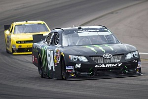 Kyle Busch wins rain-shortened Phoenix race