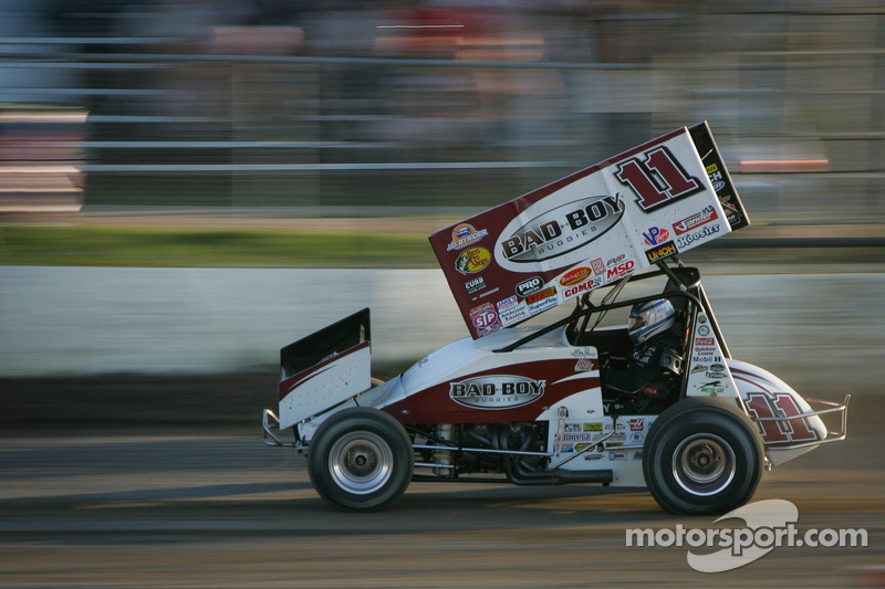 Tony Stewart Racing: World of Outlaws STP Sprint Car Series Devil's Bowl advance