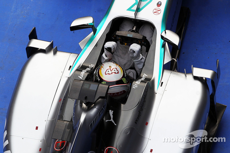 'Focused' Hamilton on charge for title - Lauda