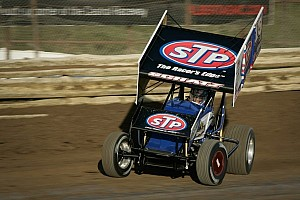 Tony Stewart Racing teammates tackle highbanks in Oklahoma