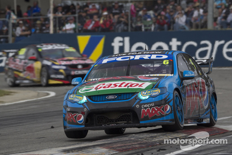 Mostert prevails in final race of the weekend at Barbagallo