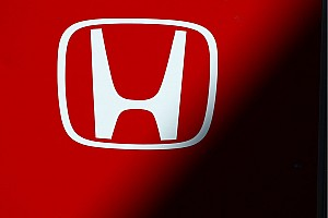 Mercedes says Honda has 2015 'advantage'