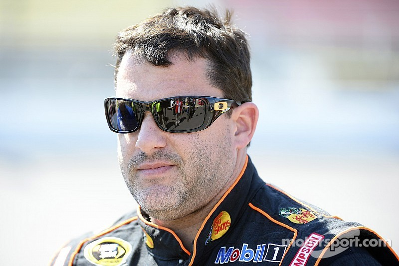 Tony Stewart runs over fellow sprint car racer - Authorities investigating