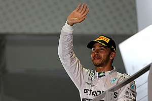 Mercedes' Hamilton took an impressive victory in the Singapore GP