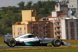 Rosberg keeps World Championship hopes alive