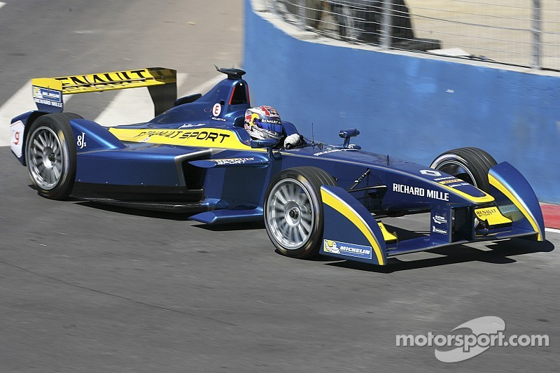 Buemi leads opening practice session in Argentina
