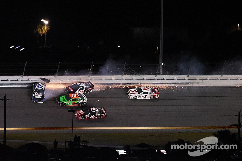 Wreck-n-Roll - the accidents continue at Daytona