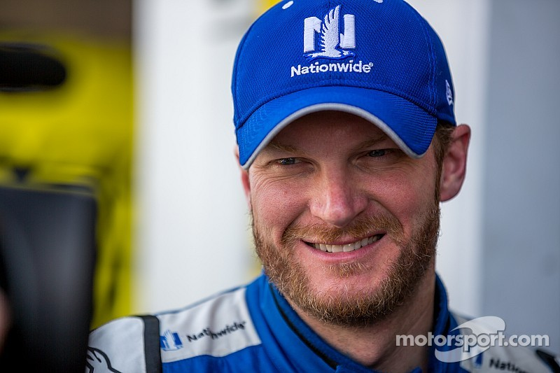 Dale Jr. finishes third without help from his friends